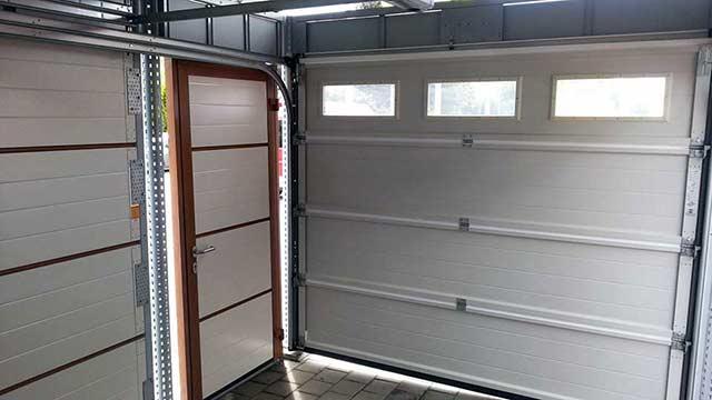 garagentor mit t r h rmann. Black Bedroom Furniture Sets. Home Design Ideas